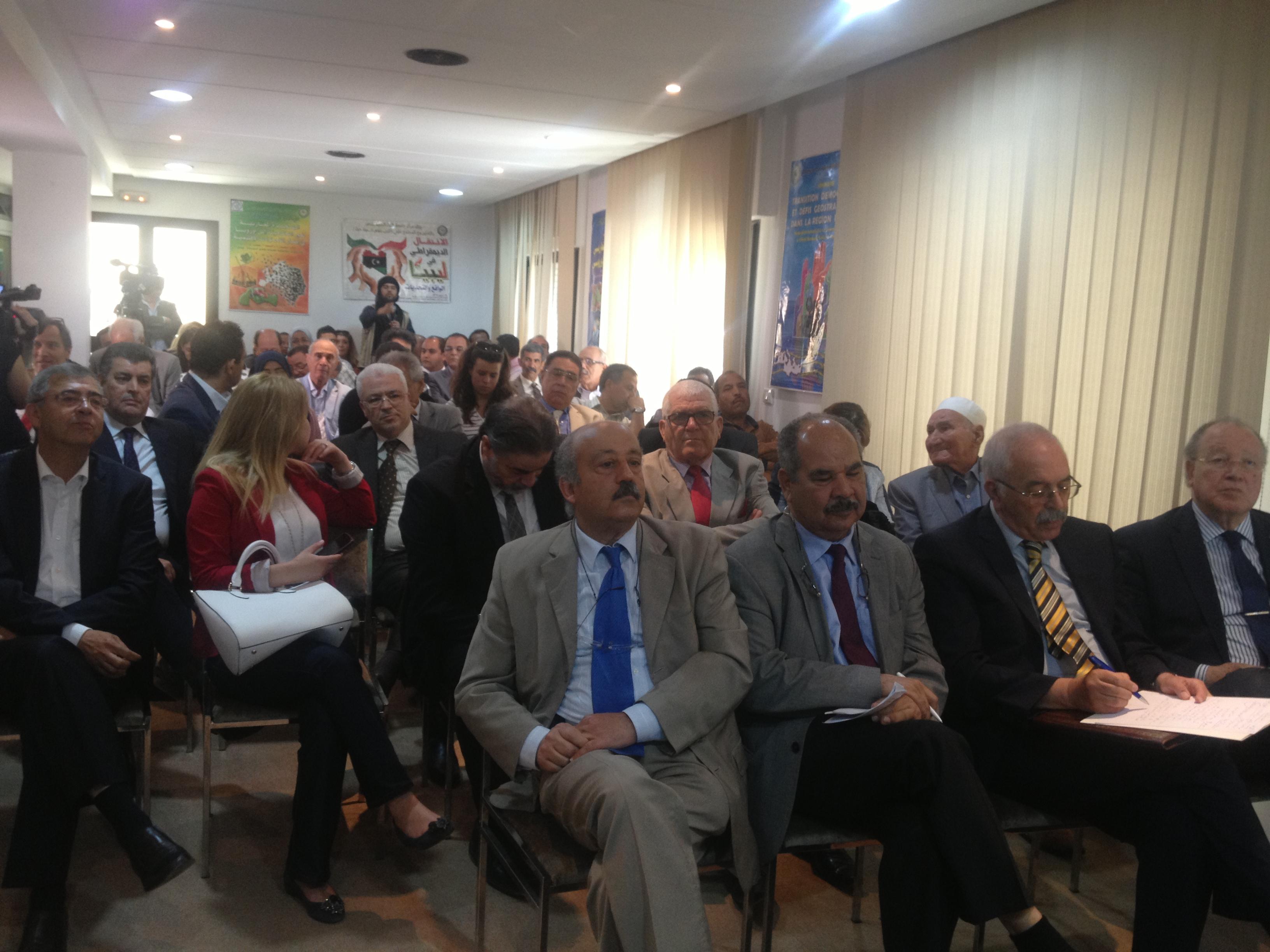 مبادرات ليبيه تونسيه جديده: حكومة وحده وطنية ومجلسين للتوافق